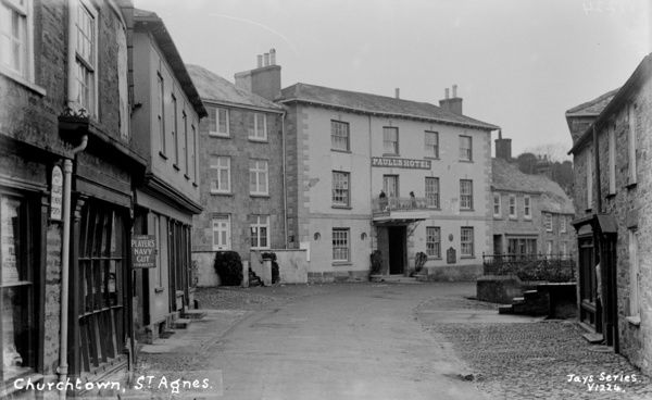 Churchtown showing Paull's hotel named after landlord John Paull. In 1930 the establishment changed to the St Agnes Hotel. Photographer: Probably Arthur William Jordan
