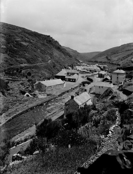 Image taken from above the harbour. Photographer Herbert Hughes, July 1925