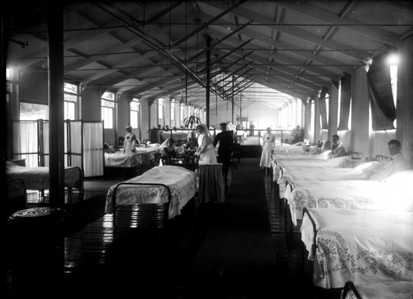 X Ward interior with nurses and patients, July 1918. Photogrpaher: A.W. Jordan
