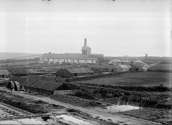 Surface workings, new stamps and Frue vanner sheds. 1911. Photographer J C Burrow