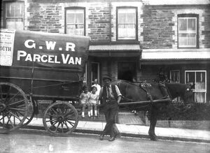 Great Western Railway horse-drawn parcel van outside the terraced house 'Fern Dale&#39