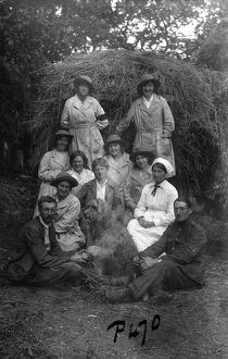 Group photograph with members of the First World War Women's Land Army, Tregavethan Farm