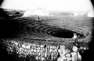 Gwennap Pit, Busveal, Cornwall. Early 1900s