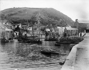 The harbour, Polperro, Cornwall. Early 1900s