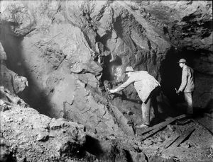 South Condurrow Mine, Camborne, Cornwall. Early 1900s