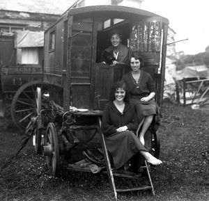 Women on a caravan, Cornwall. Around 1920s