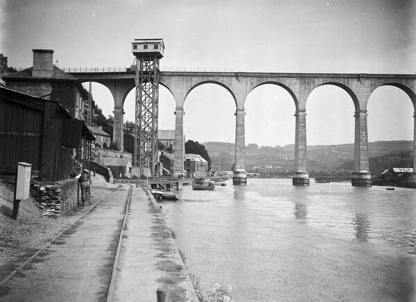 The Calstock viaduct and quay with lift. The Viaduct was completed on 2nd March 1908. Photographer: Unknown