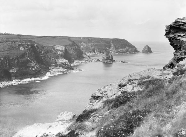 A view of Short Island and cliffs, Trevalga, Cornwall. Probably 1925