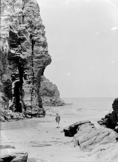 Bossiney Beach, Tintagel, Cornwall. June 1925