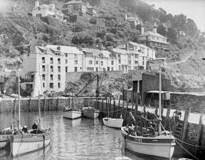 ships/fishing/fishing boats polperro cornwall possibly 1940s