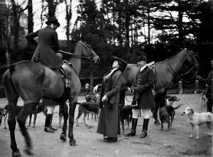 The Fourburrow Hunt, Tregothnan Lodge, Tresillian, Cornwall. Around 1911