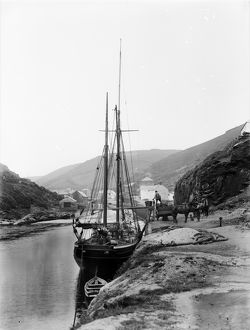 Harbour, Boscastle, Cornwall. Possibly 1902