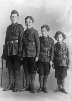The Lennox-Boyd brothers. Around 1915