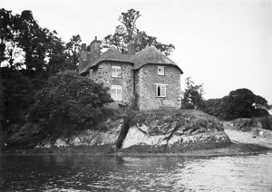 Tolverne, River Fal, Philleigh, Cornwall. Early 1900s