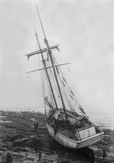 Wreck of the Loustic, Gyllyngvase Beach, Falmouth, Cornwall. January 1936